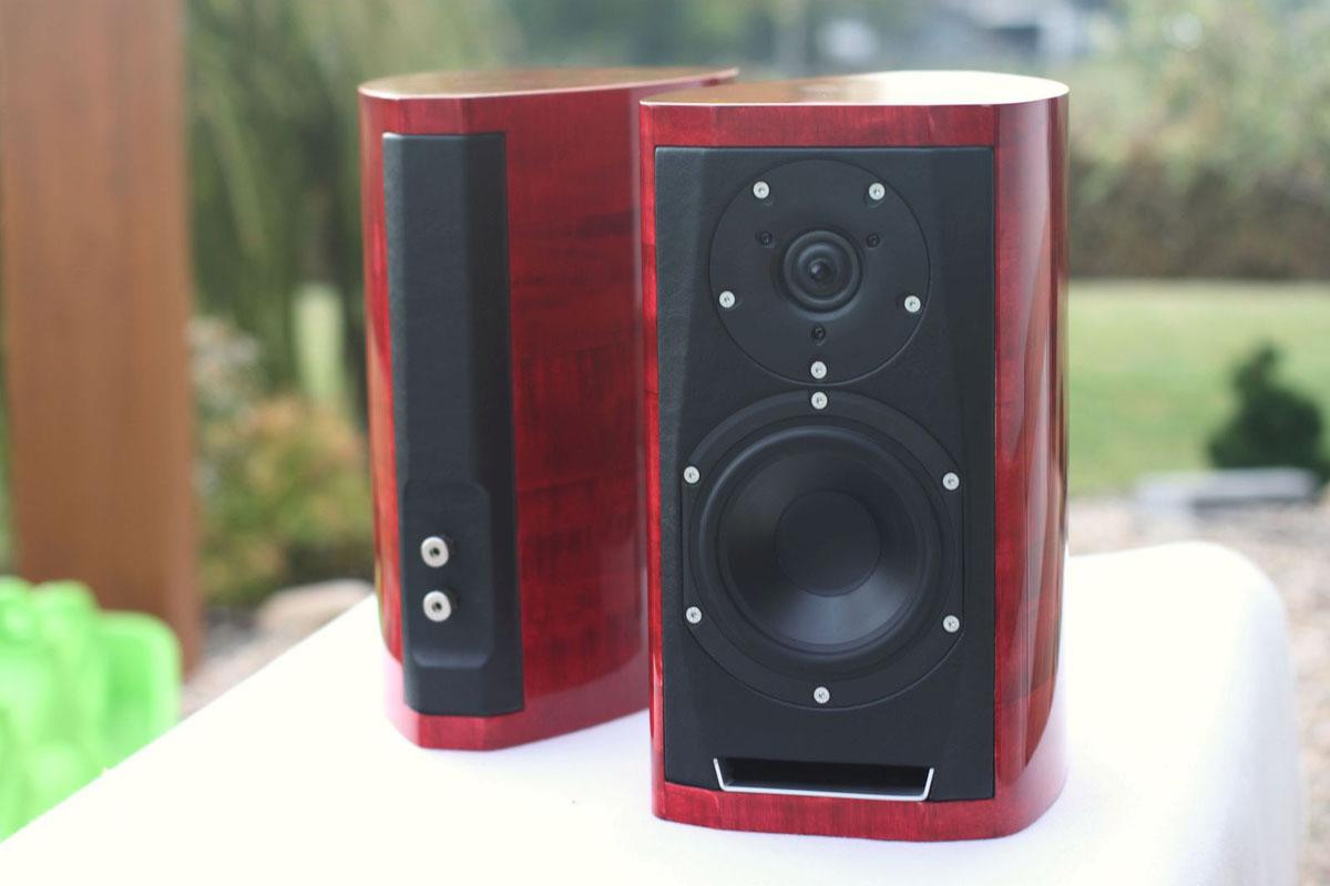 100 Best Looking Speakers Audioengine 2 Desktop